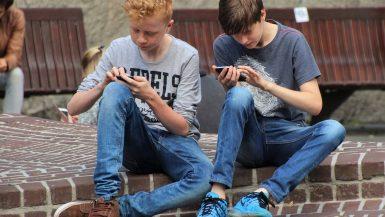 La publicación de fotos de menores en las redes sociales