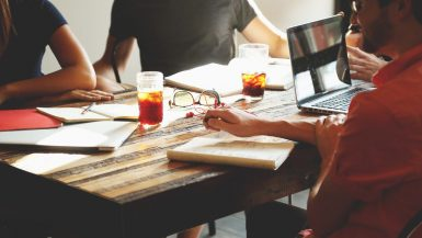 ¿Qué ocurre con los trabajadores cuando se disuelve una empresa?